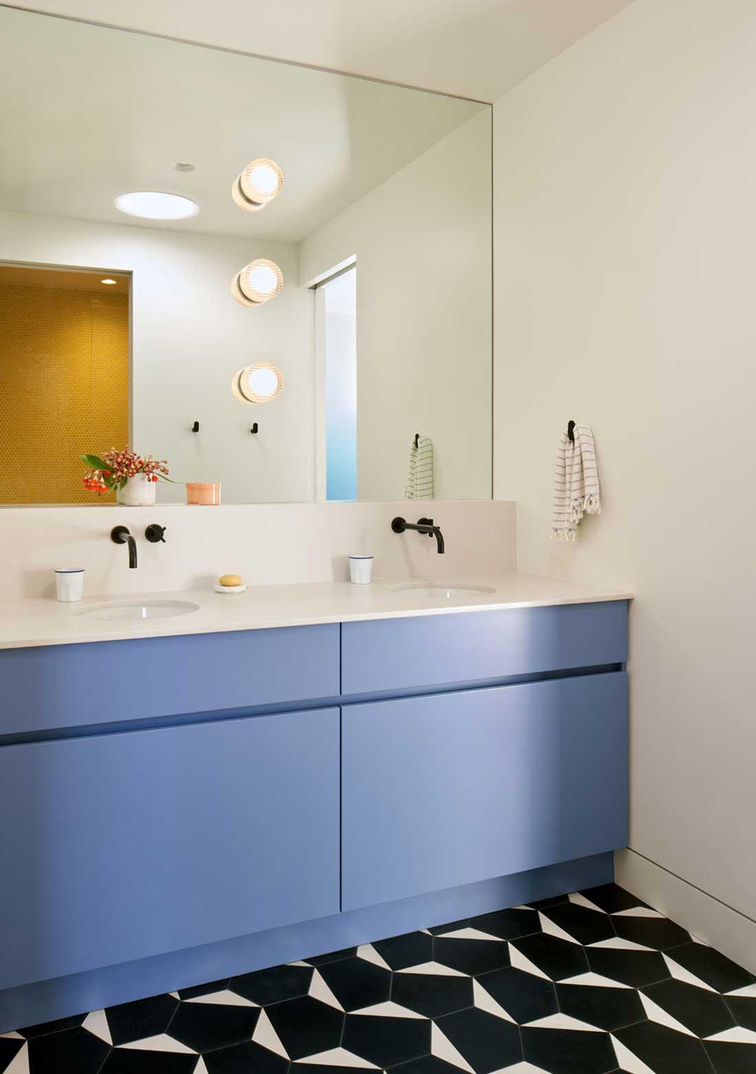 Alison Damonte Elevated Mood - bathroom with big mirror